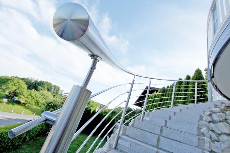 edelstahl balkongelnder mit glas franz sischer balkon edelstahl glas nur bei bartczak gelaender. Black Bedroom Furniture Sets. Home Design Ideas